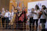 Diez nacionalidades corearon la Navidad en Guaraní de Valencia, España